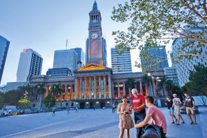 brisbane-greeters-city-hall-and-king-george-square