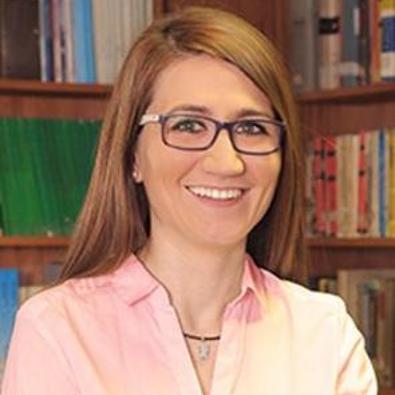 María Molinos-Senante